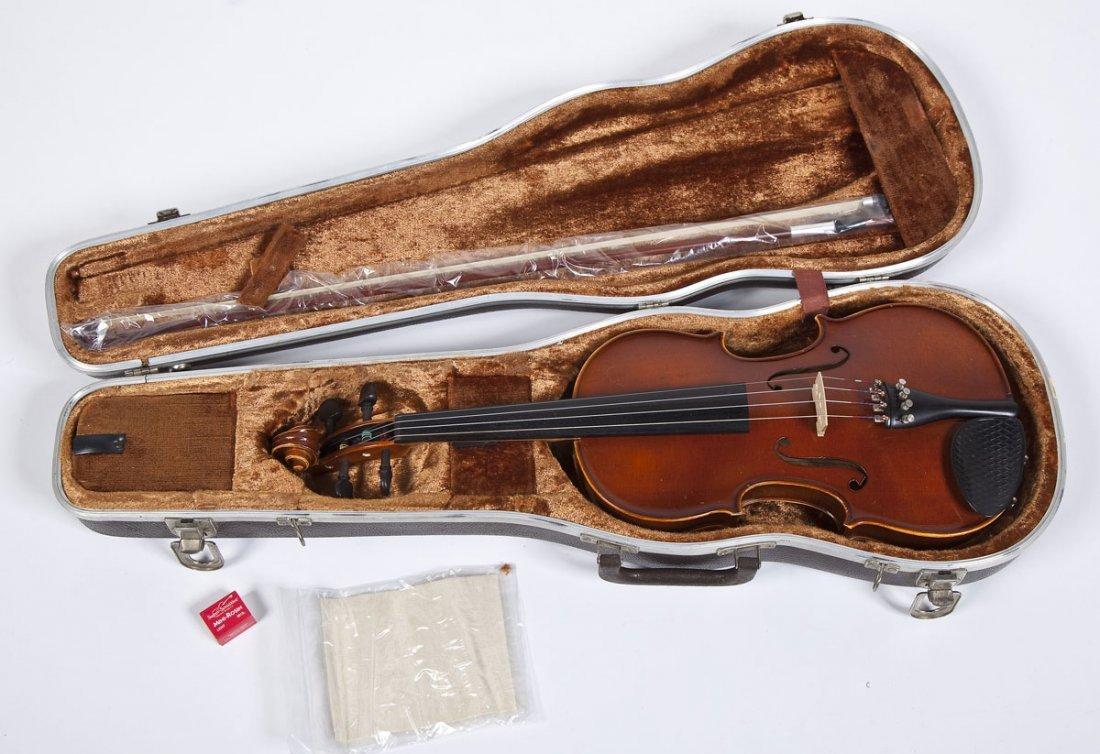 William Lewis and Son 4/4 Violin - 4