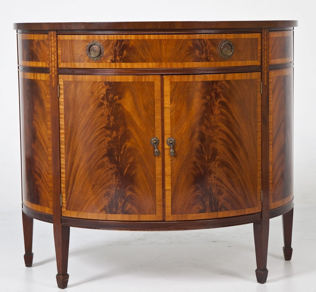 Style Small Sideboard or Cabinet