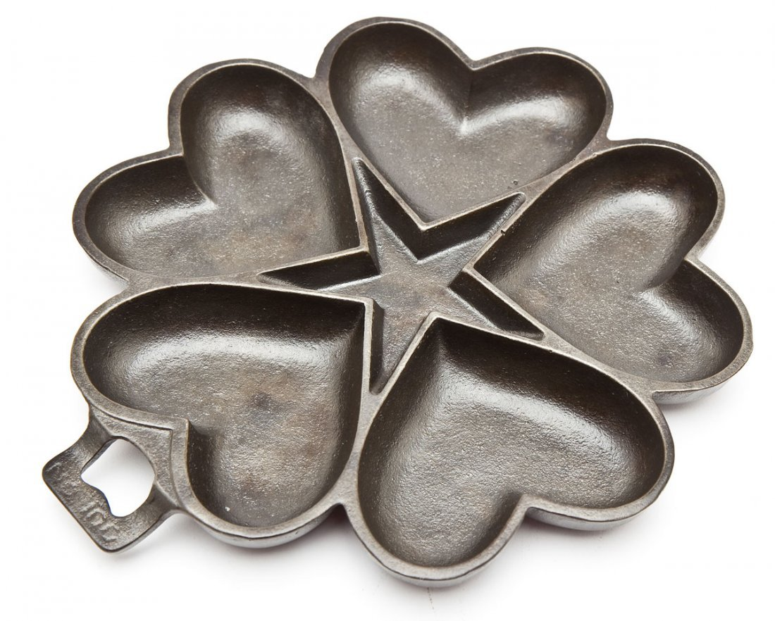 Griswold Iron No. 100 Heart and Star Pan