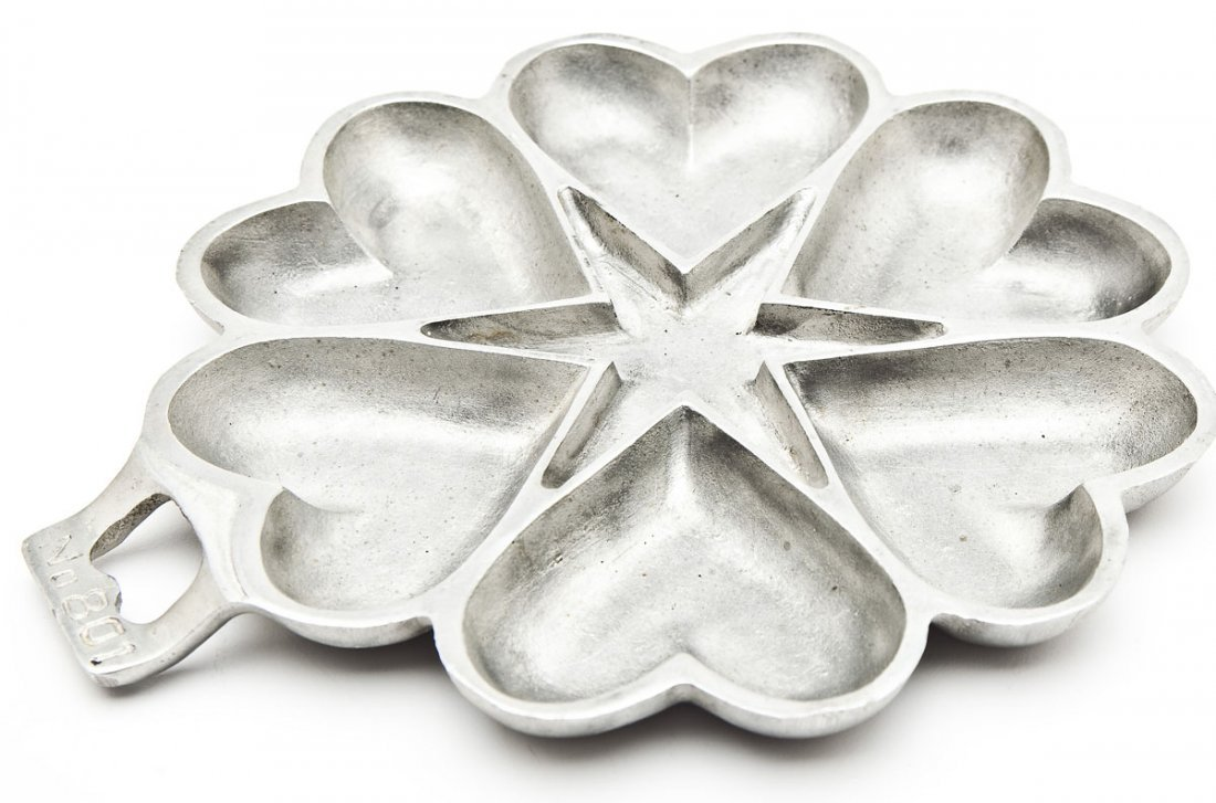 Griswold Aluminum No. 50 Heart and Star Gem Pan