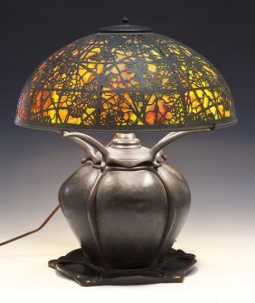Tiffany Studios Grapevine Lamp With Lily Pad Base