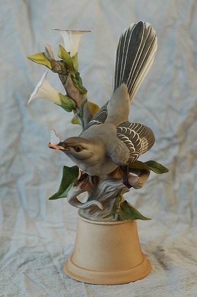 290: Boehm LImited Edition 459H Mockingbirds Male