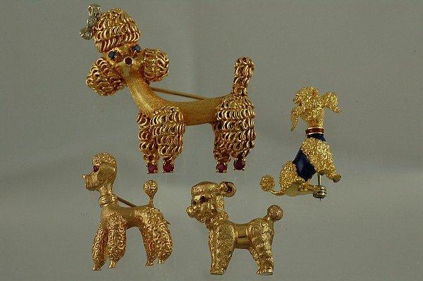 533: 18K Gold Diamond & Sapphire Poodle Brooch
