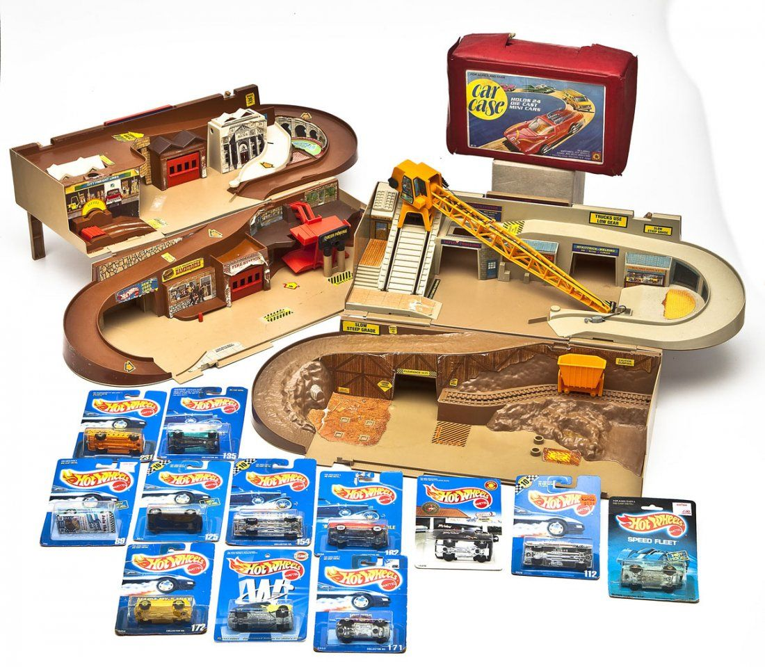 2 Hot Wheels Sto & Go w/ 12 Carded & 24 Loose Cars