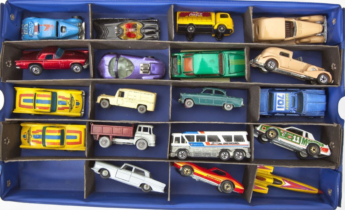 39 Die Cast Cars incl. Lesney & Hot Wheels in Case - 3