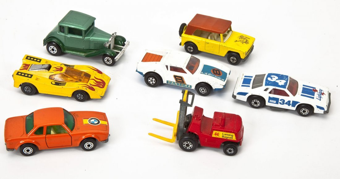 37 Hot Wheels Cars plus Buckle & Matchbox Case - 5