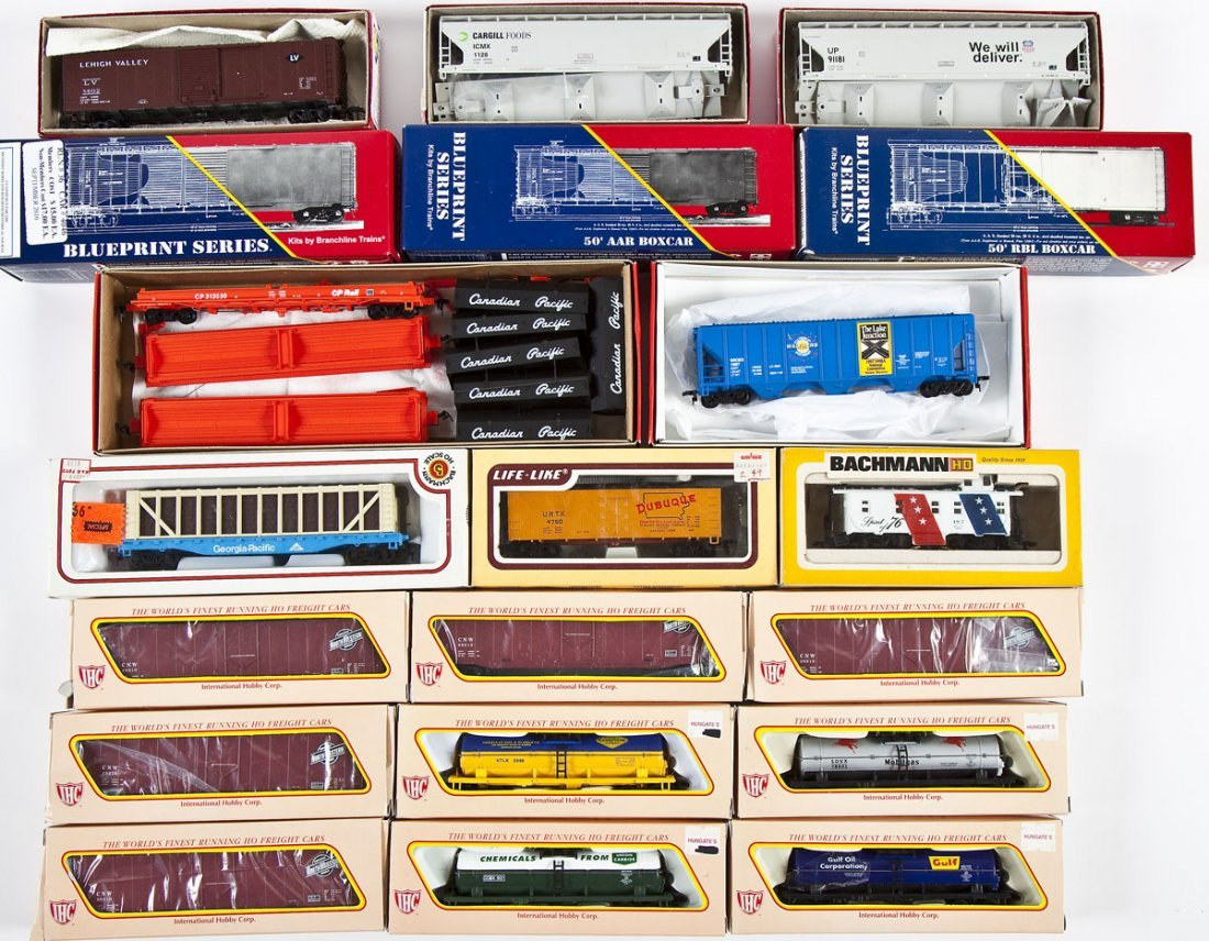 20 HO Scale Rolling Stock Cars incl. IHC