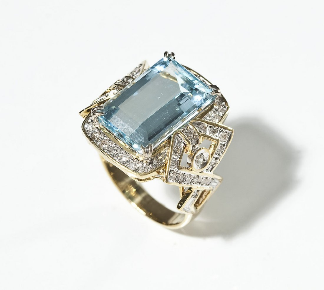 14K Aquamarine & Diamond Ring