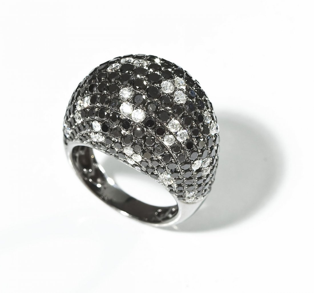 18K Gold Dome Ring with White & Black Diamonds