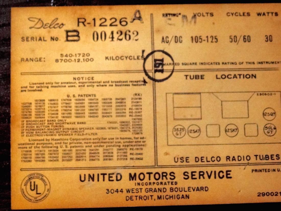 Vintage 40s Delco Tube Radio by United Motors Service - 6