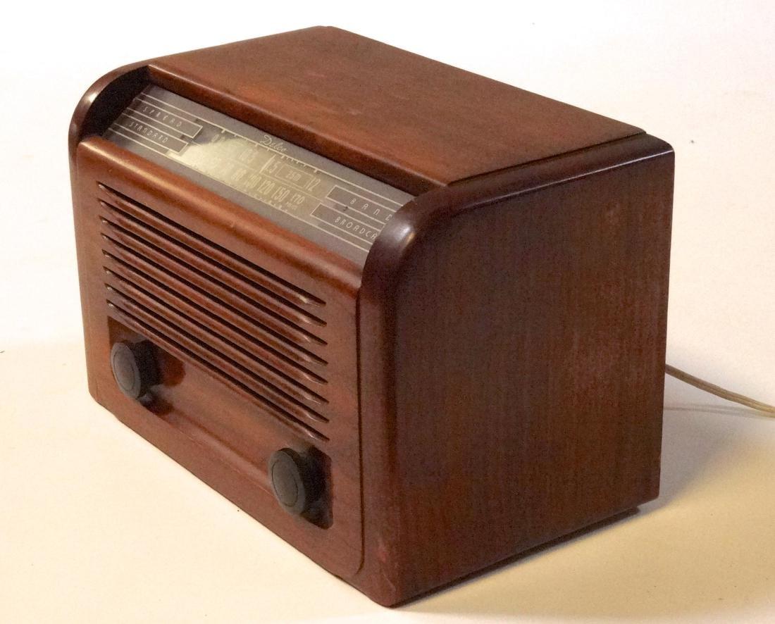 Vintage 40s Delco Tube Radio by United Motors Service - 8