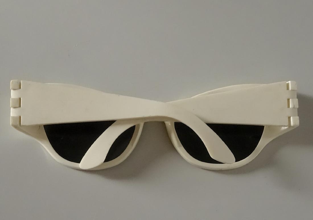 Vintage Mid Century 60s Cateye Fashionable Sunglasses - 4