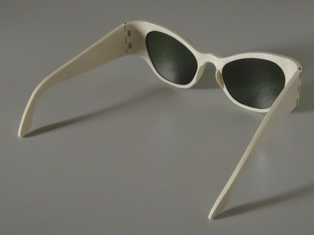 Vintage Mid Century 60s Cateye Fashionable Sunglasses - 5