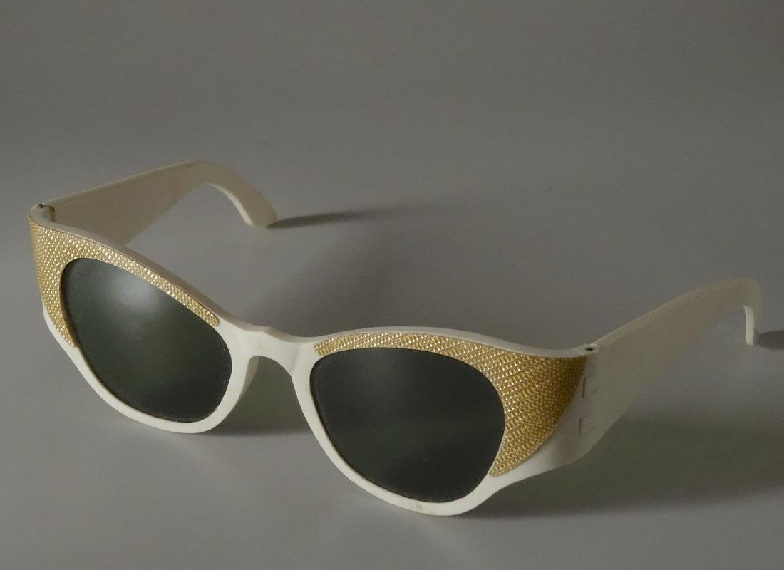 Vintage Mid Century 60s Cateye Fashionable Sunglasses - 6