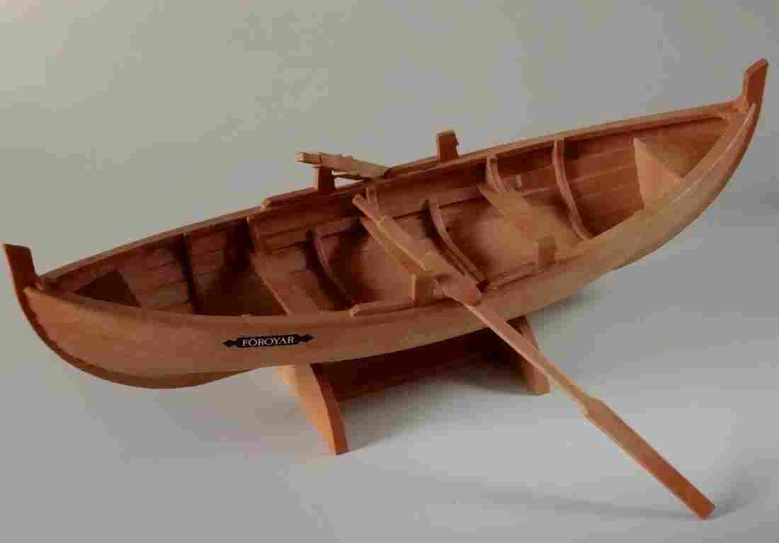 Foroyar 2 Paddle Boat Model