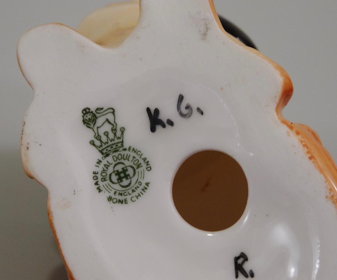 Royal Doulton Bone China Pekingese Dog Figurine - 6