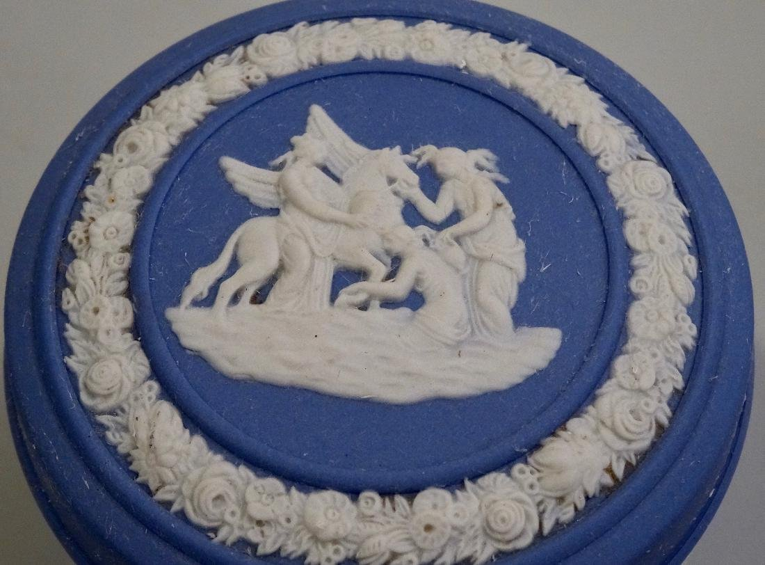 Wedgwood Blue Jasperware Circular Trinket Box - 3