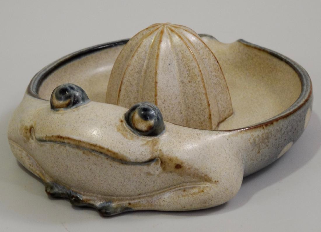 Frog Lemon Juicer Vintage Pottery Reamer UCTCI Japan c