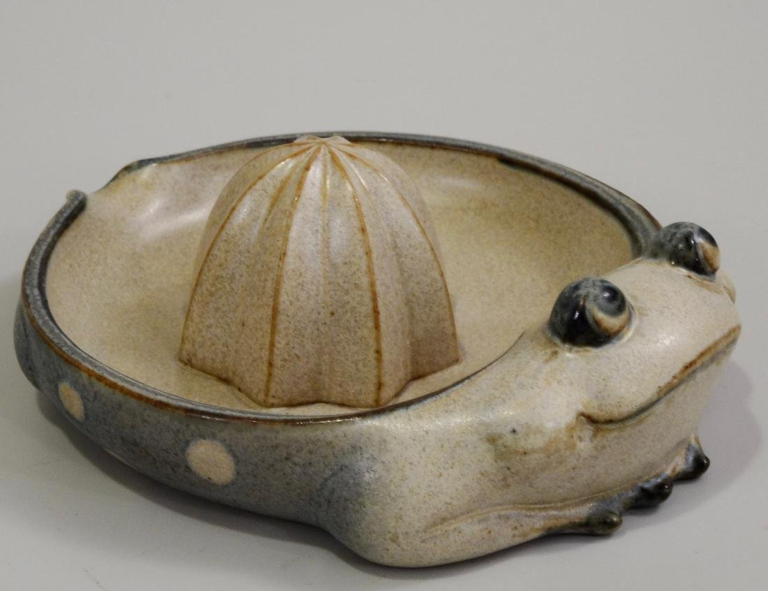 Frog Lemon Juicer Vintage Pottery Reamer UCTCI Japan c - 2