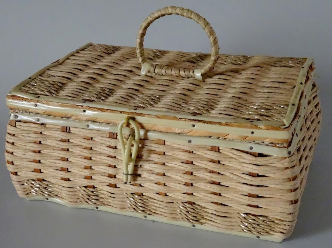 Vintage 40s Basket Sewing Box Made in Japan - 2