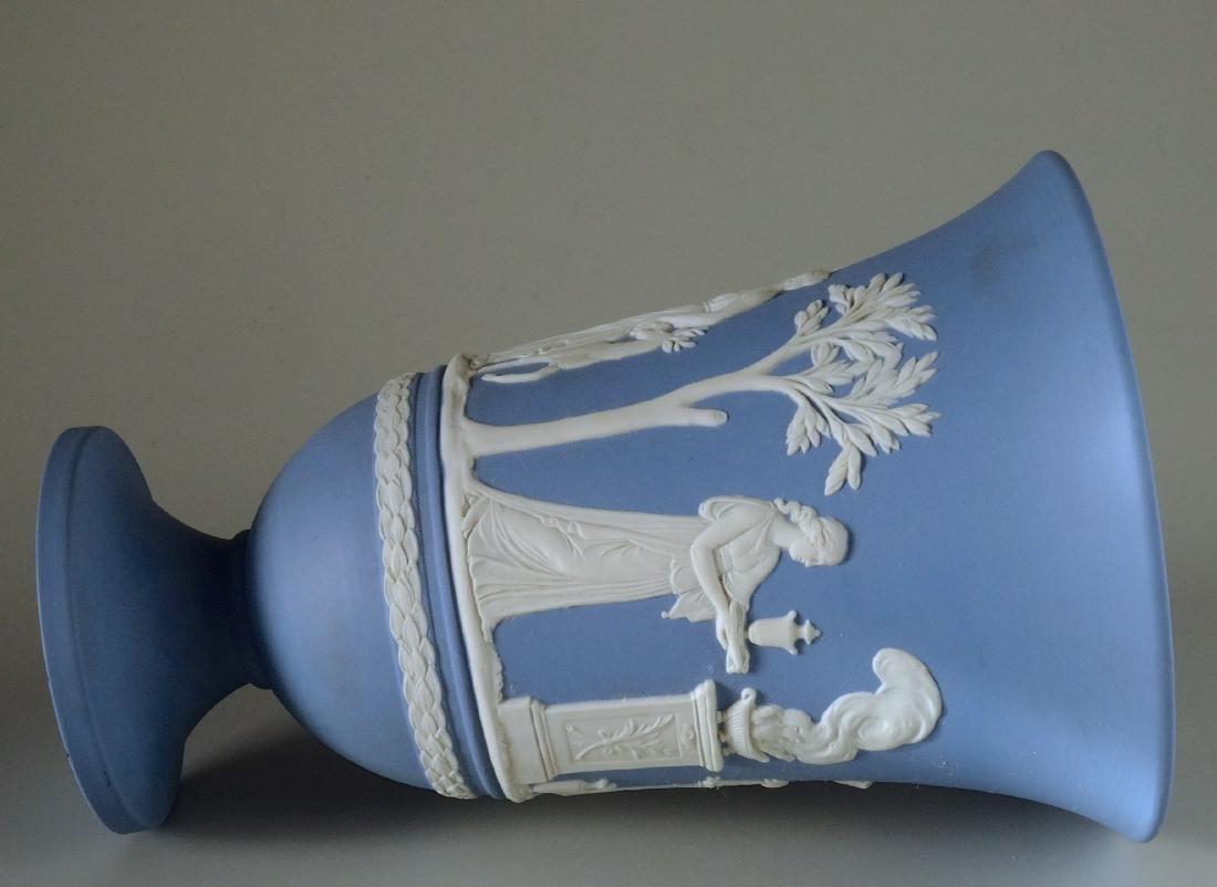 Good Wedgwood Flower Vase - 3