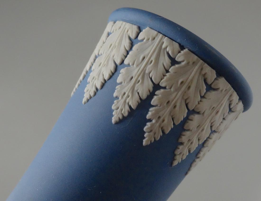 Wedgwood England Blue Jasper Budvase Flower Vase - 4
