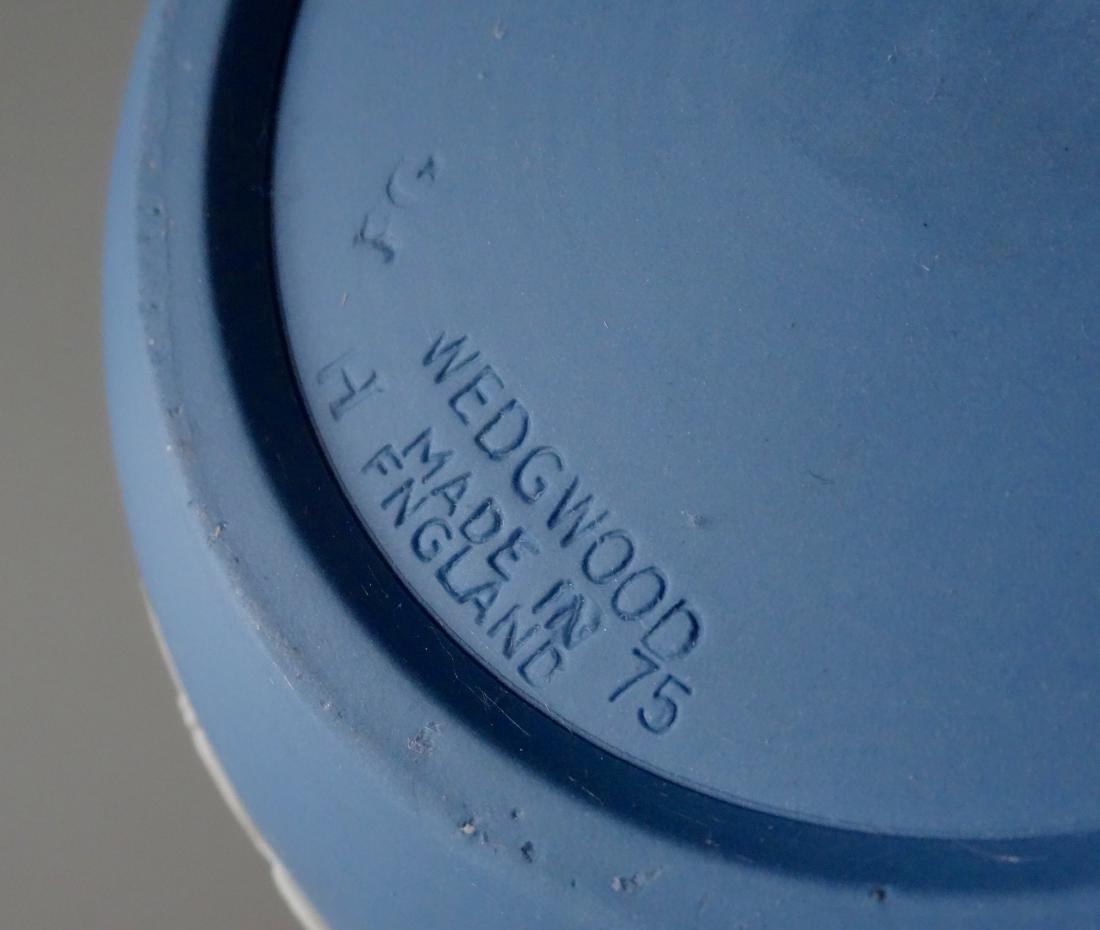 Wedgwood England Blue Jasper Budvase Flower Vase - 5