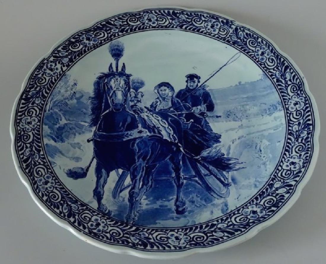 Large Royal Denmark Maastricht Winter Sleigh Charger