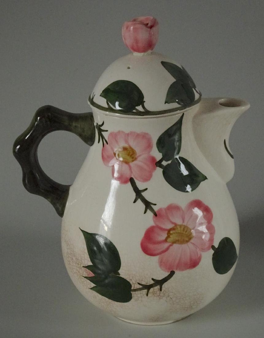 German Majolica Mettlach Valeroy & Boch Wild Rose Pot