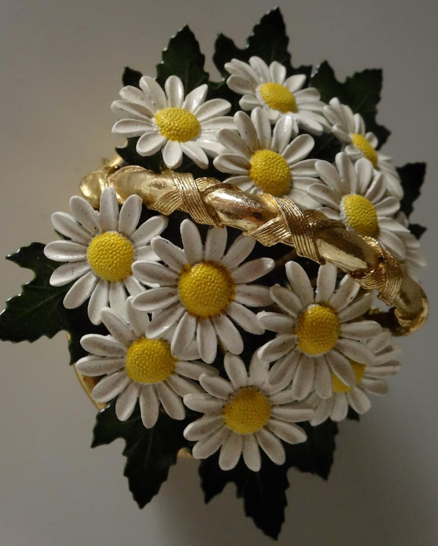 Vintage Enameled Daisy Flowers Basket Paperweight