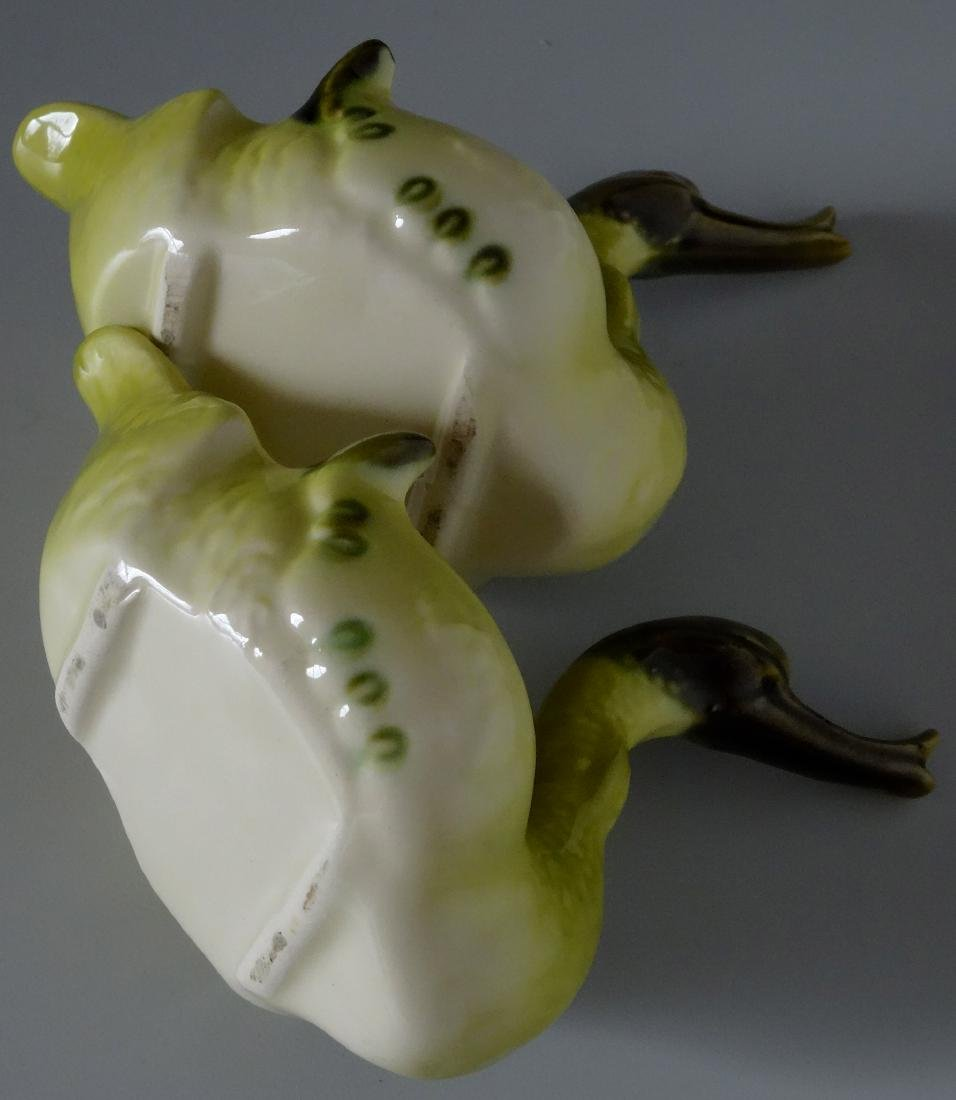 Very Ugly Hull Pottery Green Swans American Kitsch - 4