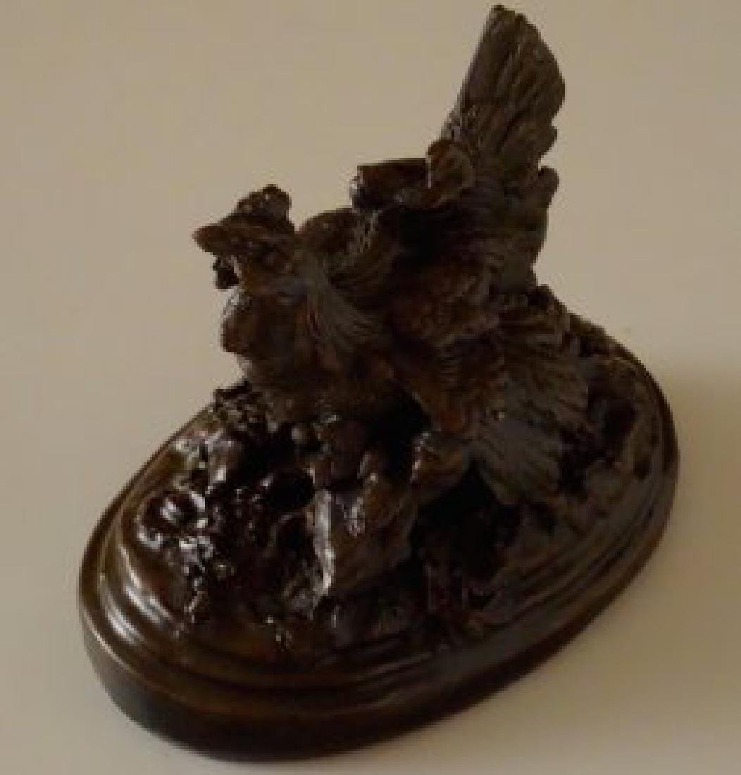 Heavy Composition Paperweight Hen with Chicks in Style - 2