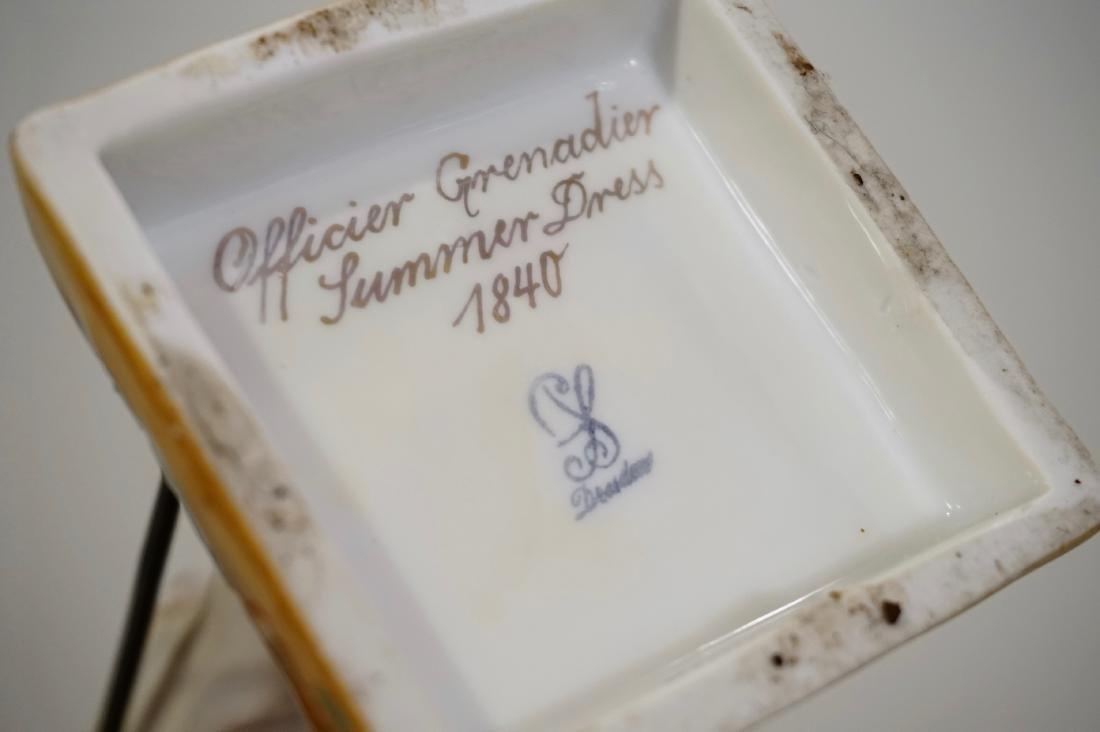 Dresden Porcelain Officer Grenadier 1840 Uniform Summer - 8
