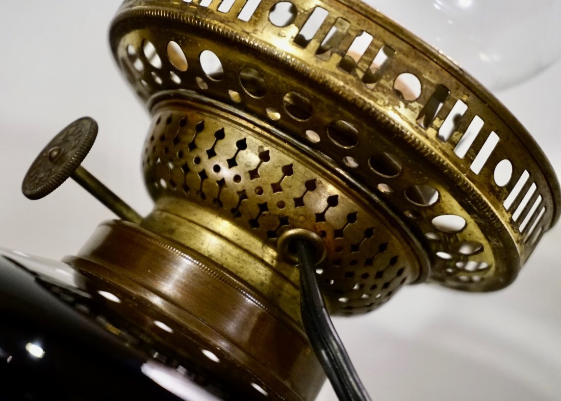 Victorian Mary Gregory Kerosene Lamp - 8