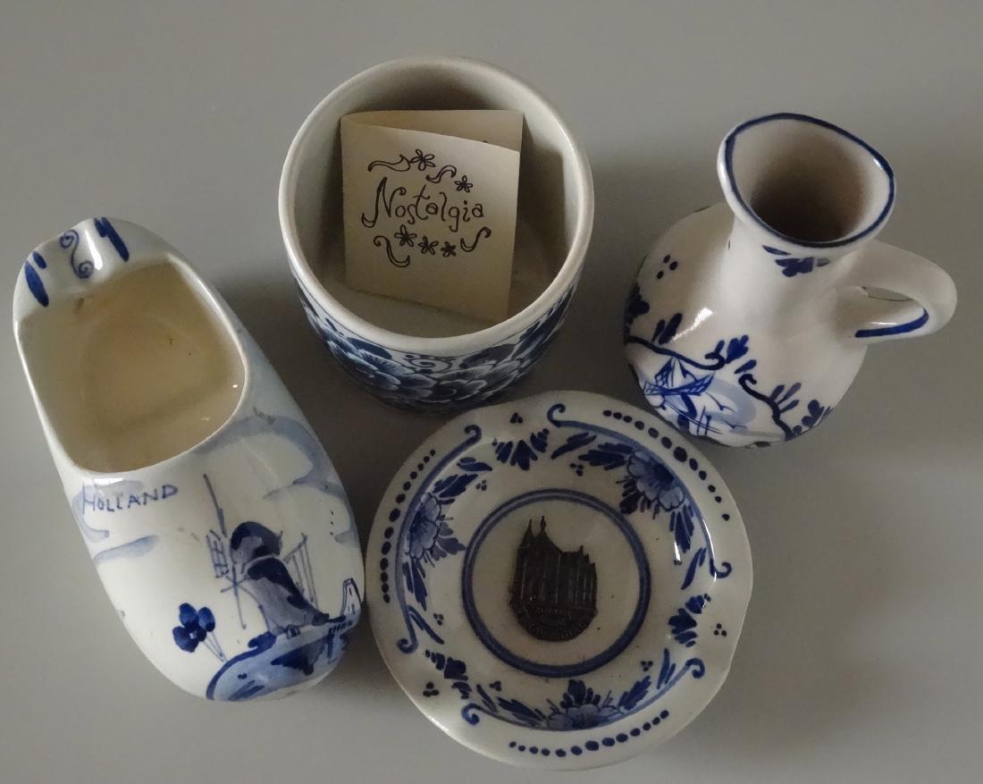 Dutch Delft Holland Small Porcelain Souvenir Ashtray - 2