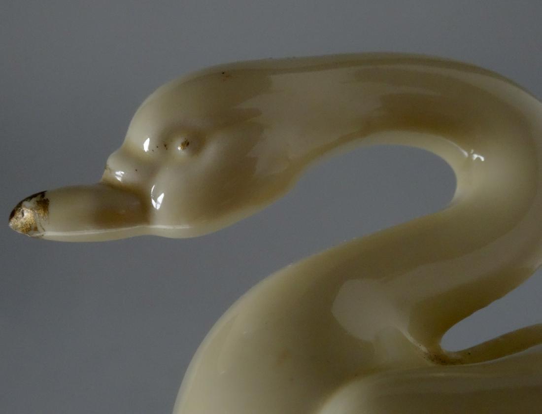 Vintage Art Deco Period Swan Figurine c 1930 - 5