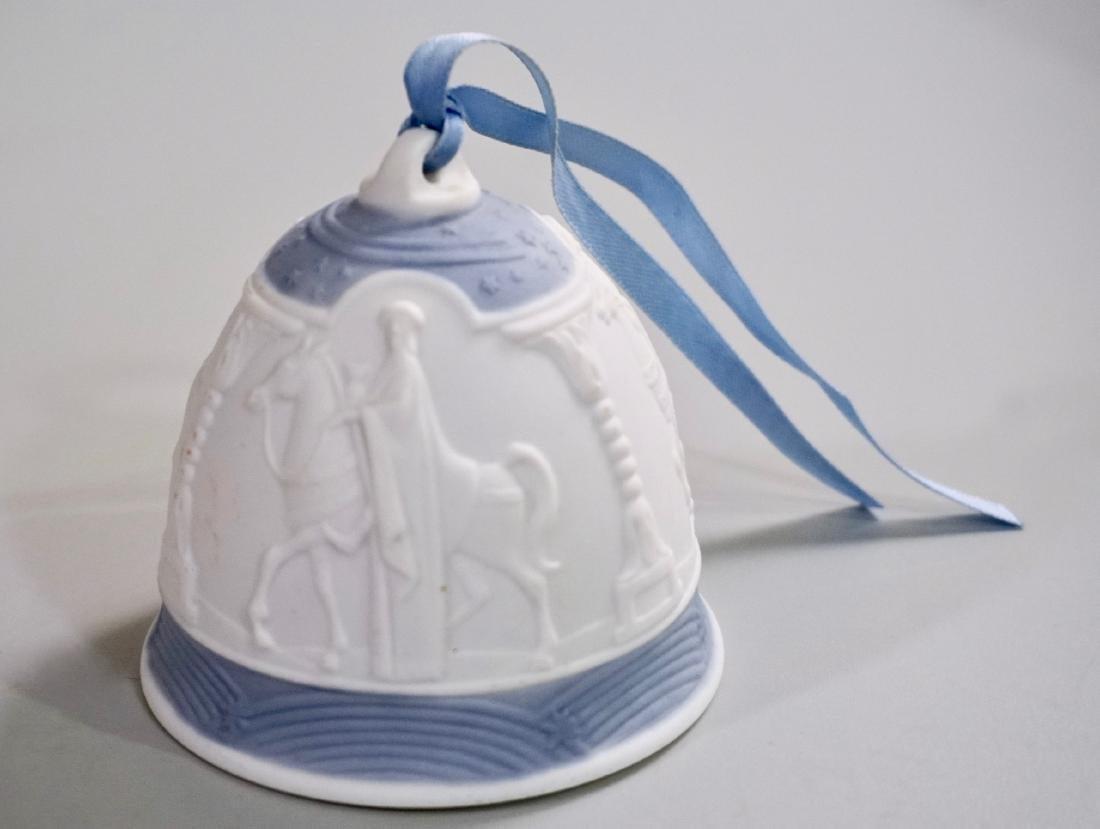 Lladro Porcelain Christmas Bell 1990