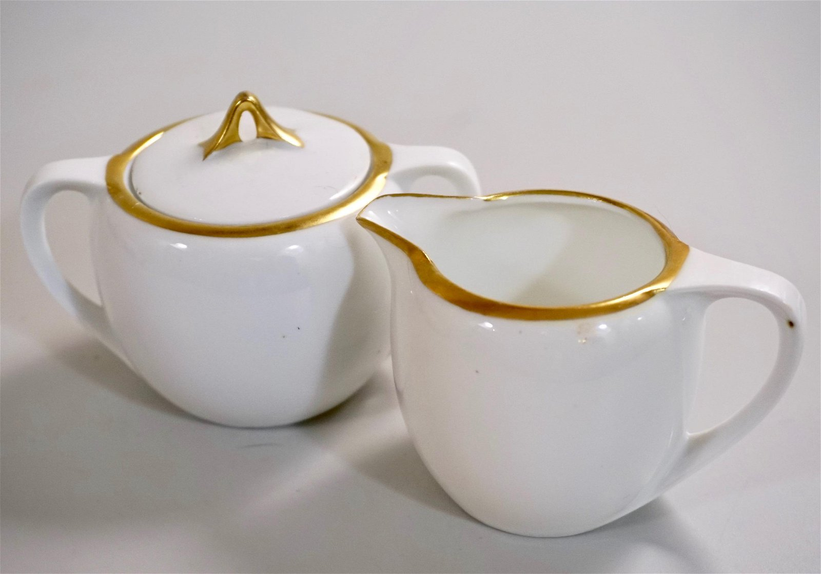German White Porcelain Sugar Creamer Set With Gold Rim