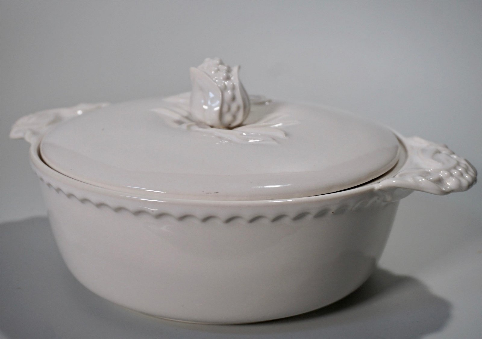Vintage Porcelain Tureen Fruit Finial