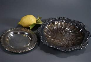 Wallace Baroque Silver Plated Salver Tray Plate Lot 2