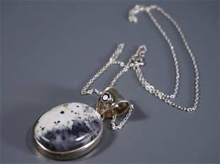 925 Sterling Silver Pendant Adorned with Amethyst Stone