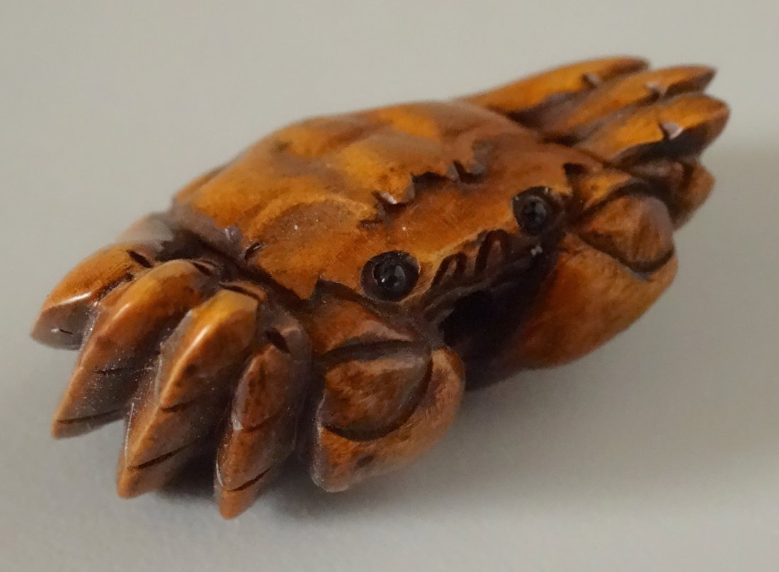 Crab Netsuke Oriental Boxwood Miniature Carving