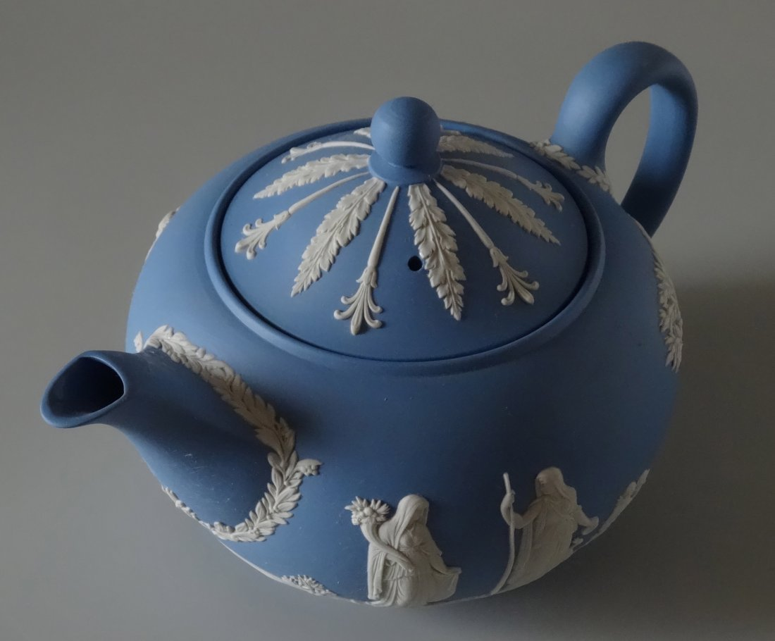 Large Wedgwood Blue Jasper Teapot - 2