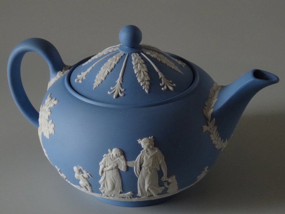 Large Wedgwood Blue Jasper Teapot - 3