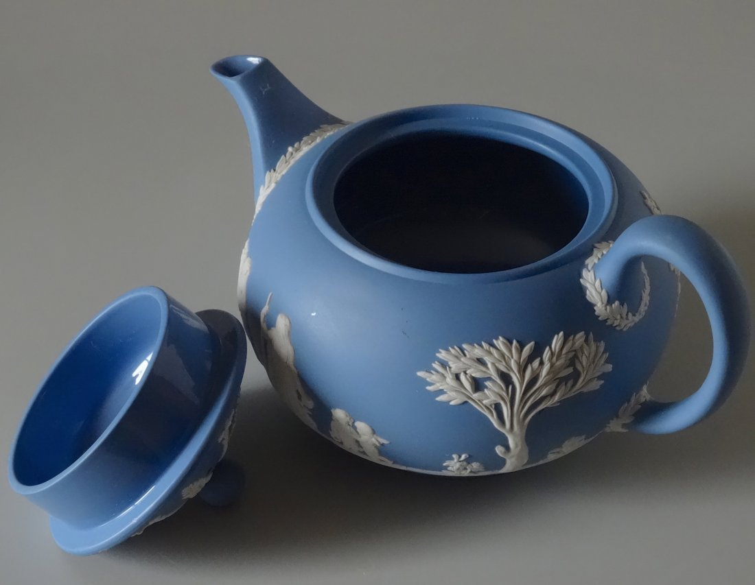 Large Wedgwood Blue Jasper Teapot - 5