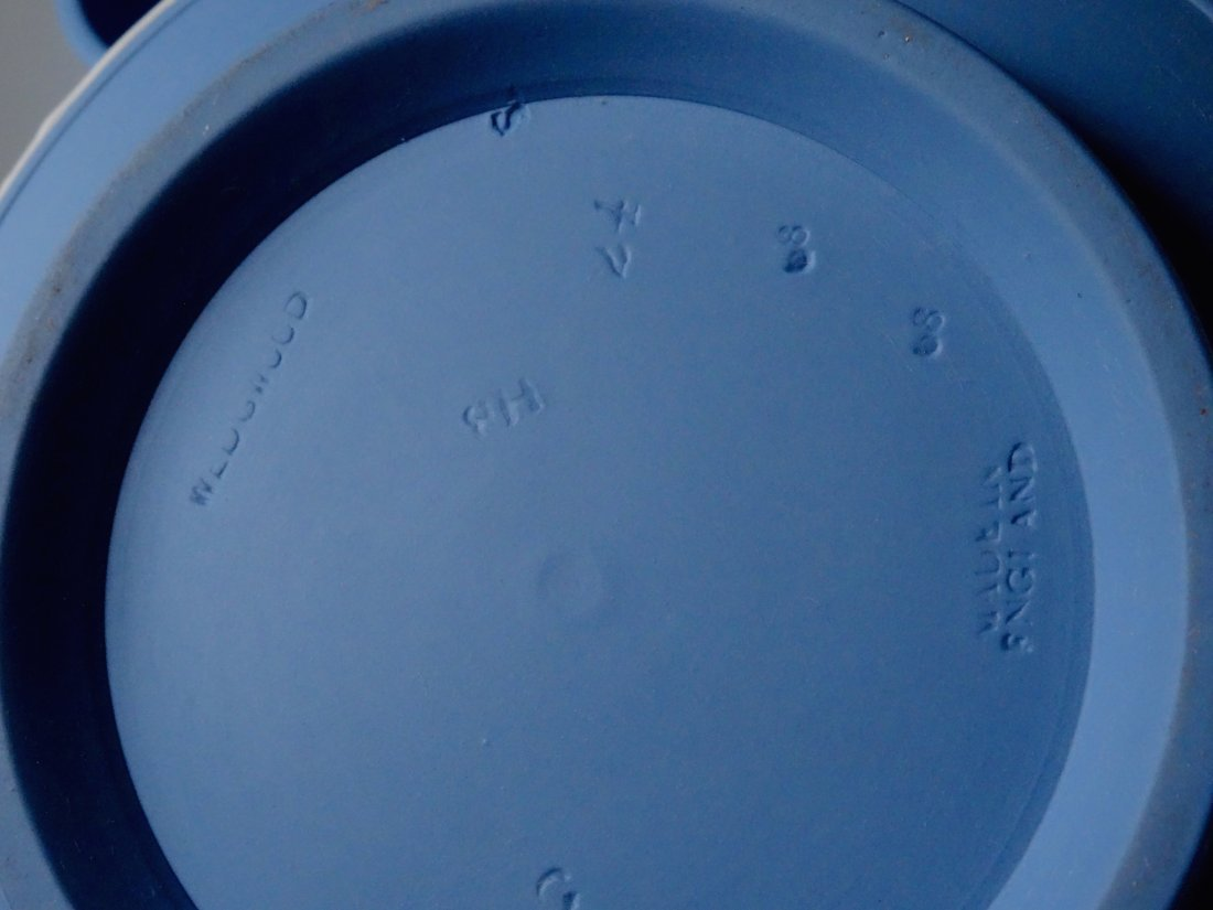 Large Wedgwood Blue Jasper Teapot - 6