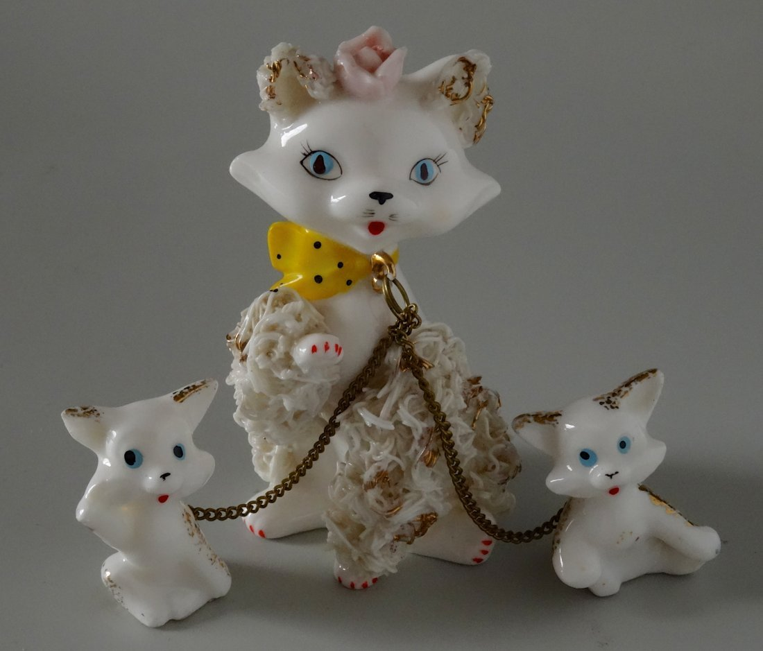 Very Kitschy Kitty Cat Mid Century Spaghetti Porcelain