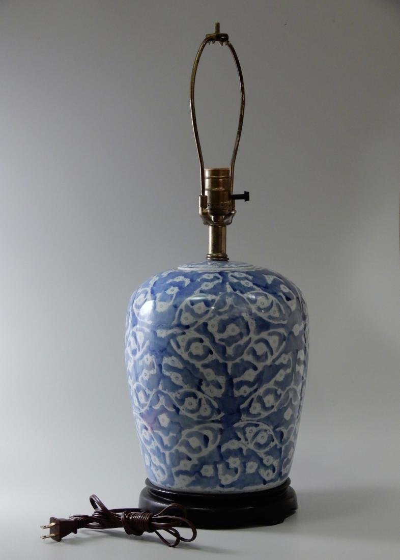 Blue and White Painted Porcelain Ginger Jar Table Lamp