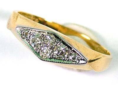 2: Ladies' antique diamond set ring