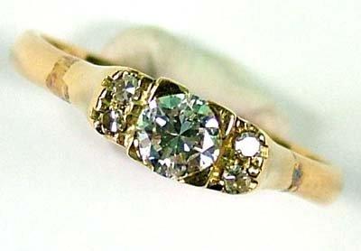 3: Ladies' diamond set ring
